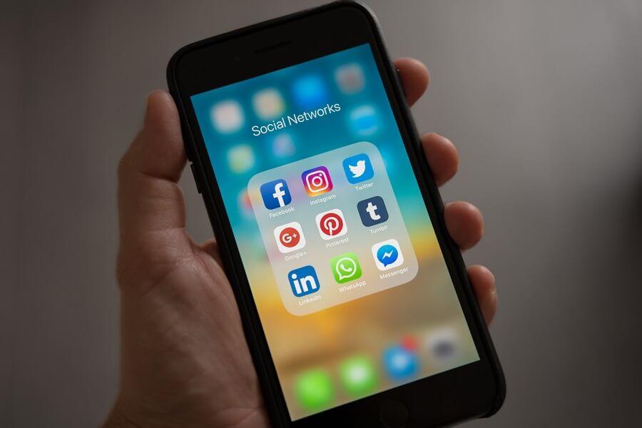 ZippySig Phone Social Media